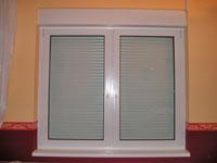 Műanyag ablak redőnnyel szúnyoghálóval